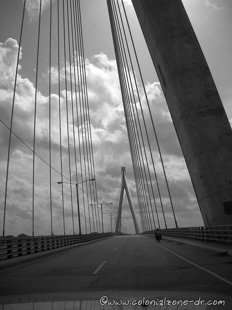 Puente Mauricio Báez over río Higüamo in San Pedro de Macoris 6-2-2013