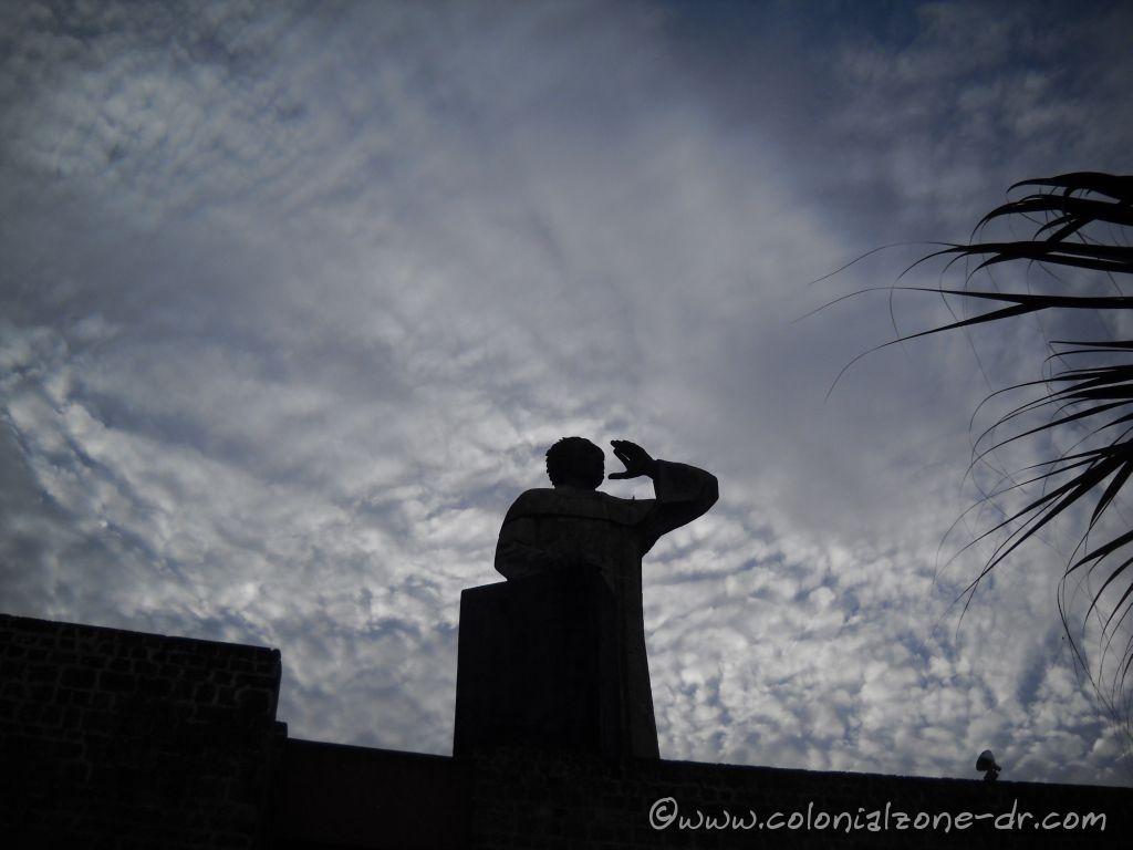 Fray Antón de Montecino statue, Zona Colonial