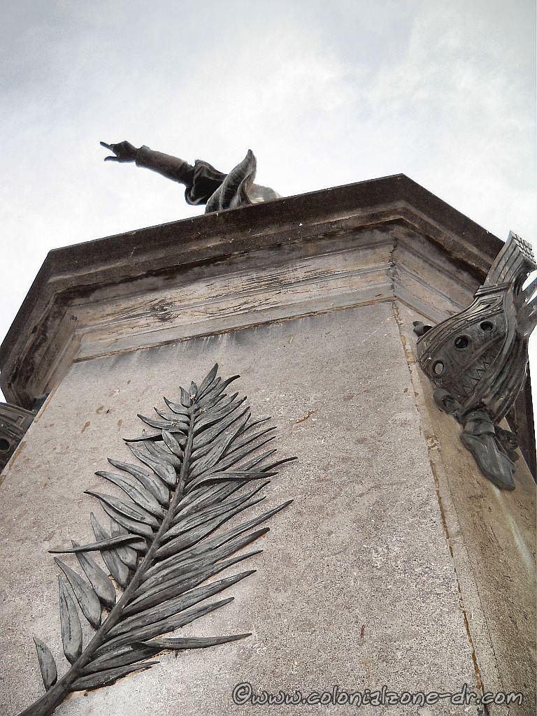 Monument to Cristobal Colon in Parque Colon, Colonial Zone