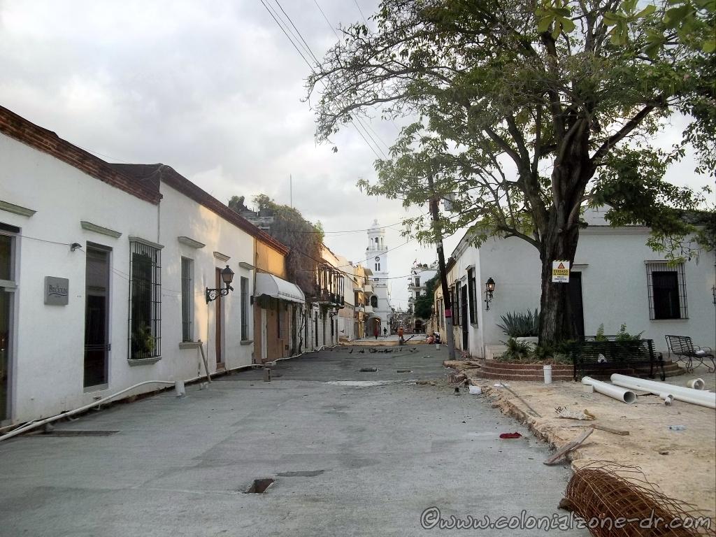 Renovada Ciudad Colonial - Meriño between Calle Padre Billini to Calle El Conde June 7, 2014