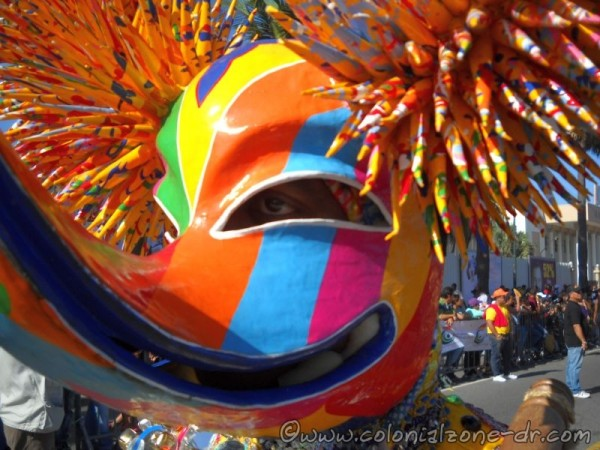 Carnaval Dominicano 2015 - There is an eye in there!