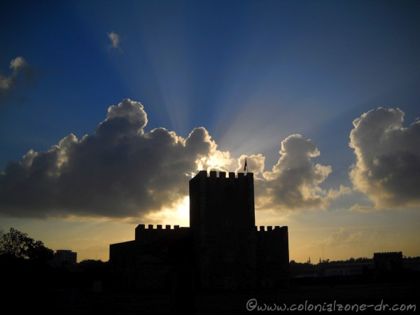The sun rays reaching to the heavens on Palm Sunday morning at Fortaleza Ozama.