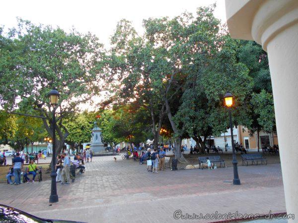 Saturday afternoon in Parque Colon.