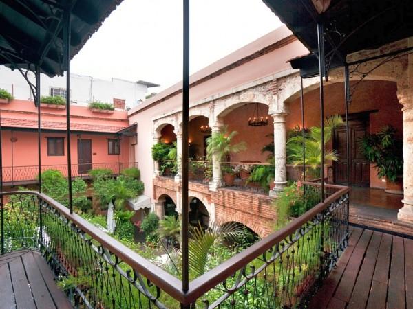 Accor Hotel Francis interior patio