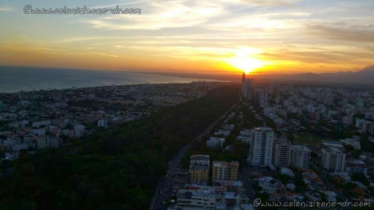 Parque Mirador del Sur at sun set. Santo Domingo, Republica Dominicana.