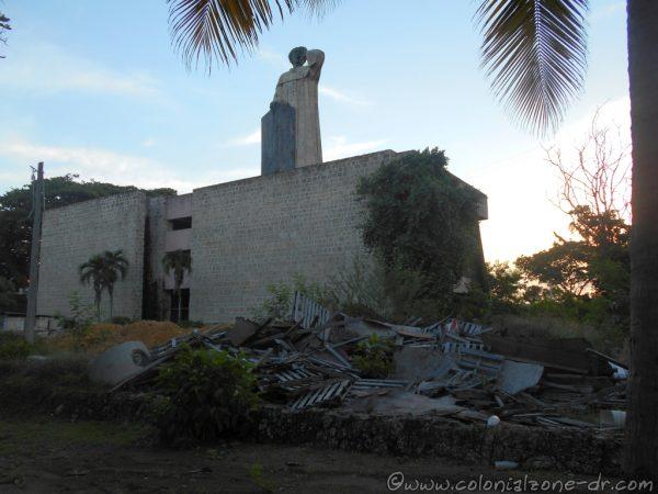 Plaza Montecinos garbage dump July 31, 2016