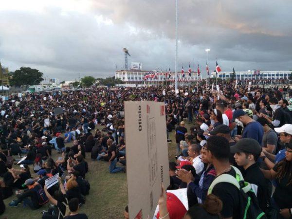 Protests in the Plaza de a Bandera